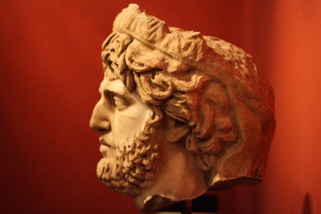 Troo, padre di Ilo: storia e curiosità su colui da cui venne preso il nome di Troia