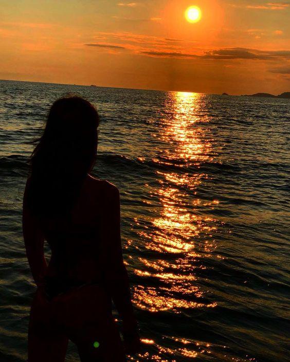 Frasi sull'amore e il tramonto: cielo, solo e romanticismo